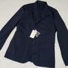 撥水ストレッチナイロンを採用した無印良品の「7ポケットジャケット」が、シルエットもキレイで夏にぴったり。