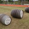 夏空の下、必死で樽を転がす大人たち~北海道池田町が誇る面白イベント~
