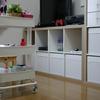 片付けなくても、散らからない!IKEAのワゴンで北欧ポップなずぼら式リビング収納。