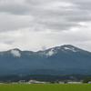 晴れた日の鳥海山