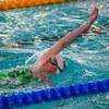初級背泳ぎと中級背泳ぎ