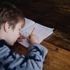 子供の学習机は必要か? 実際に使っていないことが多いのはウチだけ?
