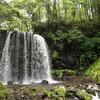 マイナスイオンの聖地!?根子岳を水源とする壮観な唐沢の滝