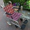混雑時における車椅子の危険性。車椅子前への急な割り込み禁止!