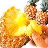 【沖縄のパイナップル】「スナックパイン」の食べ方や味をレポート!ちぎって芯まで食べられるよ