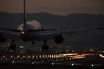 大迫力の轟音とスピード感! 伊丹スカイパークと千里川土手で飛行機撮影!