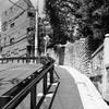 根津神社から地下鉄東大前駅に抜ける坂