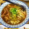 大ブレイク中! 行列ミシュラン台湾料理「請坐QINGZUO」の牛肉麺と魯肉飯。@西營盤