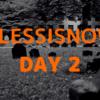 要らないモノを「毎日捨てる」チャレンジ(2/30)- スマホ用三脚・モバイルバッテリー