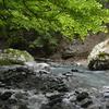 夏至のフスベヨリ谷遊山 飛沫舞う