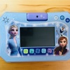 【ディズニー アナと雪の女王2 ドリームカメラタブレットは、楽しく学習出来て持ち運びも便利!】