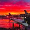 今年は飛行機が予定通り飛ぶ事が殆ど無かったなぁ… でも空港職員の方の親切を感じる事も… 見事な朝焼けも見れて、まぁ良しとしましょう…