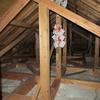 真夏の小屋裏、床下