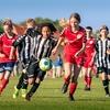 サッカーにおけるジェンダーギャップに立ち上がった女性たち