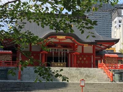 新宿花園神社〜お札を納めに参ります〜
