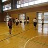 やまびこ:体育「投げる」運動