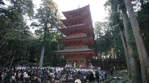 2月16日は日蓮大聖人様御生誕の日です。日蓮正宗寺院の御誕生会(おたんじょうえ)に参詣しましょう。