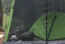 キャンプに似合う防水ケースなど。全天候でアウトドアを楽しむための道具入れ