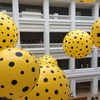 草間彌生氏の個展『YAYOI KUSAMA: Life is the Heart of a Rainbow』@National Gallery Singaporeに行ってきた