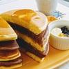 ホットケーキミックスを使って♬ 簡単なのに見た目が可愛い 『2色のレイヤードパンケーキ』