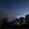 雪雲の夕焼けと金星、そして月の夜。