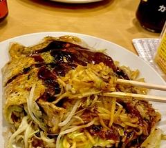 ★野菜たっぷりな広島焼き