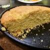 鉄製フライパンで焼くコーンブレッド