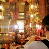 【香港:上環】 観光名所の有名寺院『文武廟』 無料で線香をあげてみた♬