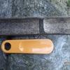 竹製の靴ベラ 直しながら Shoehorn made of bamboo