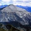 2億年前に隆起⁉️石灰岩の山を登る…