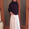 40代からのフレアスカートは甘辛のフェイクスエードで大人っぽく