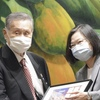 台湾で弔問外交始まる