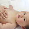 突然顔にブツブツが!生後1ヶ月経ったら気をつけたい乳児湿疹