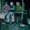 寒い冬におすすめ映画① これを見たらスキー場に行けなくなる!? 地上15メートル。-20度の極寒の中リフトに残された3人。 3人が取った行動とは? これを見て身体の芯まで寒くなろう! 映画『フローズン』