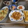 幸運な病のレシピ( 68 ) だし巻き卵、キャベツ炒め、鳥の生姜ネギ、鮭