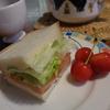 忙しい朝にはサンドイッチ