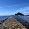 イギリスのモン・サン・ミッシェルといわれるセント・マイケルズ・マウントは今でも船か潮が引いたときだけ歩いていける(イギリスのコーンウォール)