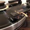 山本音響工芸 カーボン製ヘッドシェル HS-4S - SHURE V15 Type3との組み合わせでレコードの音を全て出すかのよう