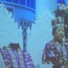 韓鶴子オモニは王冠をアボジから奪ったが、国進様は亨進様に王冠を捧げた