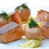 ダイエット中にはクルミやサーモンを食べると空腹感が減るかも