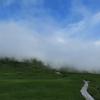 雲の中へ。