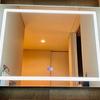 LED照明付き洗面鏡【Amazonで買えるオシャレな鏡6選】