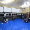 月曜日フルタイムキッズ柔術クラス、一般柔術クラス。