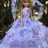 薄紫の豪華なドレス
