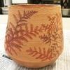石膏型作りも終盤に。ゴーラム鉢も絵付けが進む。