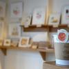 フードイラストレーター・まるやまひとみさんの個展「Spice up」ヨコハマコーヒースタンドで開催中