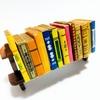 本棚から100冊の本を断捨離!びっくりする物が出てきた