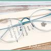 新しいメガネを探しているならおしゃれ安いメガネ 水色