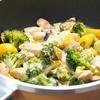 フライパンで焼くだけ!鶏ささみと野菜のとろとろチーズ焼きの作り方・レシピ