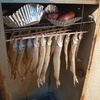 ワカサギ燻製のレシピ公開 作る過程も楽しもう